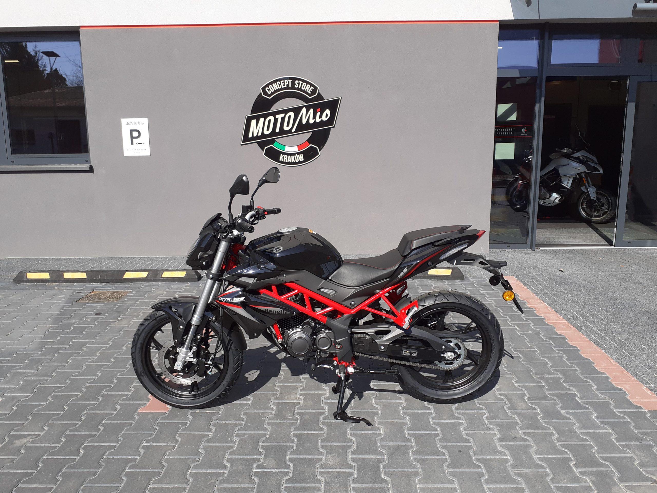 motocicletta stradale 125 Benelli BN 125 2020